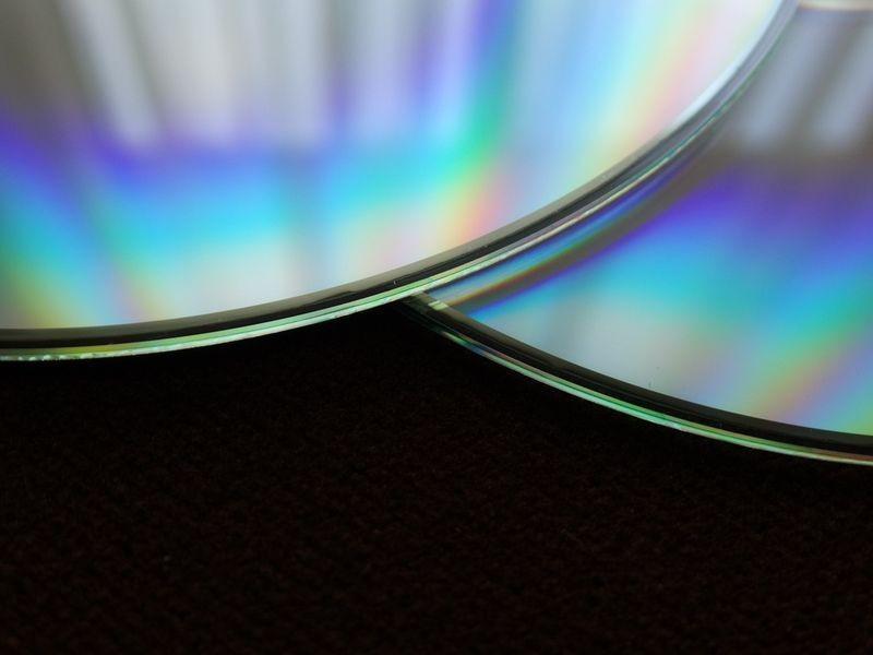 Profesjonalna sprzedaż filmów oraz muzyki za pośrednictwem internetu